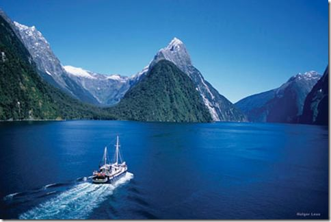 MV Milford Wanderer & Mitre Peak, Milford Sound, Fiordland National Park, South Island, New Zealand