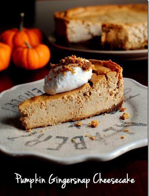 Pumpkin Gingersnap Cheesecake #Thanksgiving | iowagirleats.com