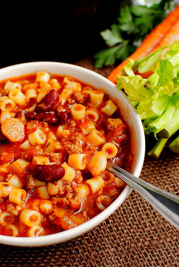 Copycat Olive Garden Pasta e Fagioli Soup - Iowa Girl Eats