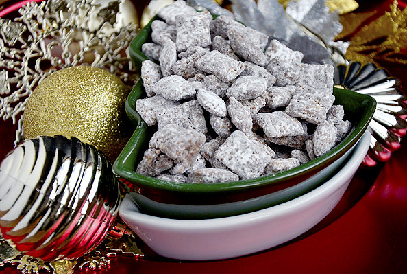 Up close photo of Gluten Free Puppy Chow