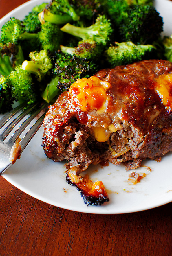 Mini BBQ Cheddar Meatloaves are studded with melty cheddar cheese and sweet BBQ sauce. This easy,gluten-free dinner recipe will be a hit with the whole family!