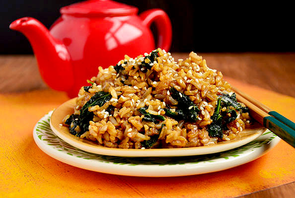 Kale Fried Rice [adapted from Iowa Girl Eats]. printed from traganbele.gq Ingredients: 2 1/2 cups brown rice; 5 cups low-sodium chicken broth ; 5 cups water; 1 bunch kale, stems removed and leaves torn into bite size pieces.