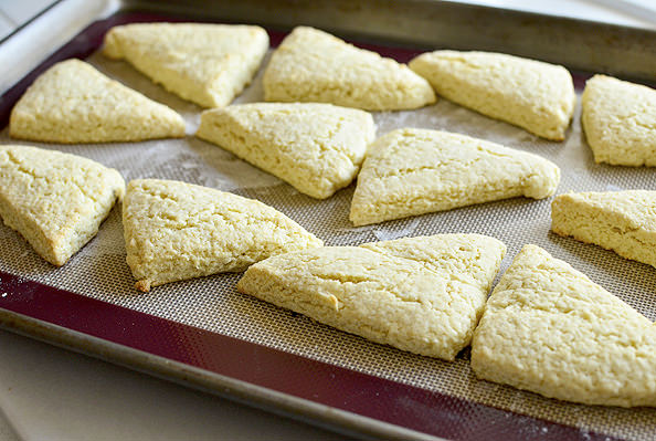 Petite Vanilla Bean Scones via Iowa Girl Eats