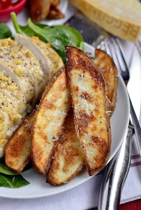 Parmesan Garlic Chicken with Roasted Potato Wedges | iowagirleats.com