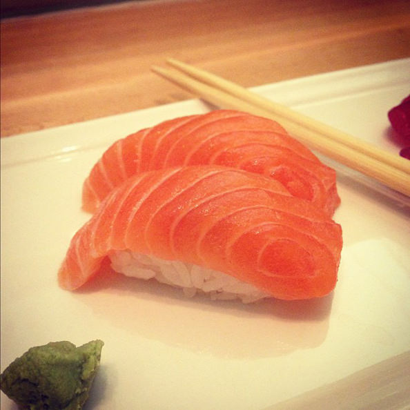 SalmonNigiri_mini