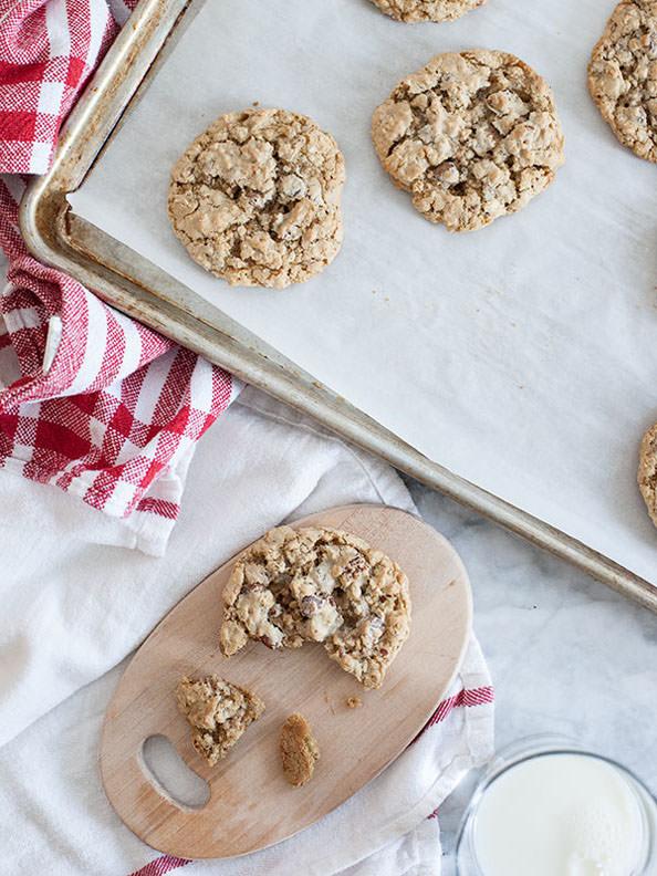 Oatmeal-Chocolate-Chip-Cookies-foodiecrush.com-020_mini
