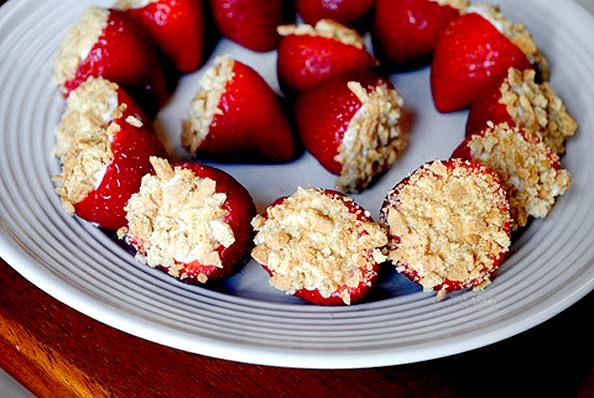 Cheesecake Stuffed  Strawberries | iowagirleats.com