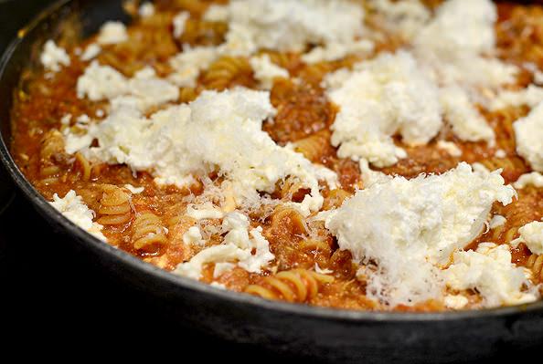 Three Cheese Skillet Lasagna   iowagirleats.com