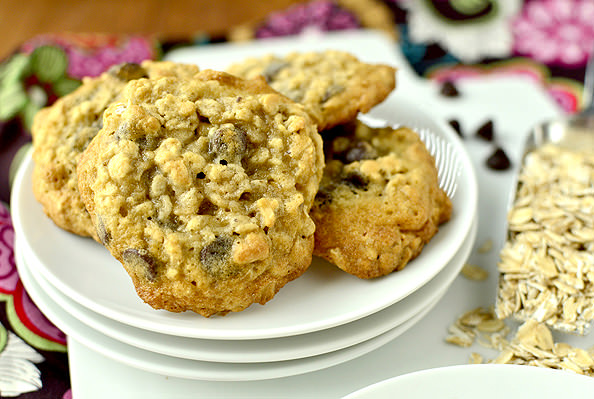 Oatmeal Chocolate Chip Cookies | iowagirleats.com