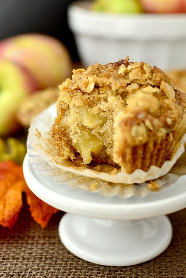 Apple Crisp Muffins | iowagirleats.com
