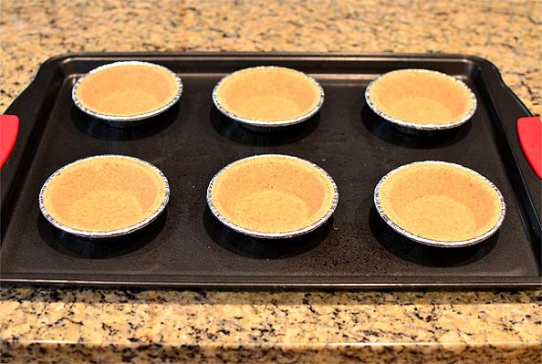 Mini Smore Pies   iowagirleats.com