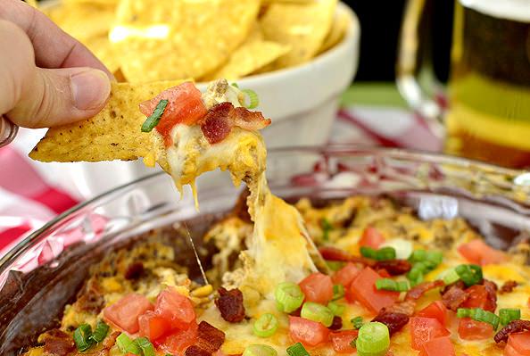 Lighter Bacon Cheeseburger Dip | iowagirleats.com