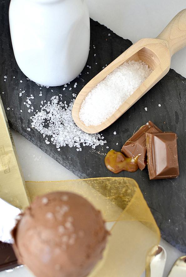 Salted Caramel Hot Chocolate Ice Cream. No ice cream maker required! | iowagirleats.com