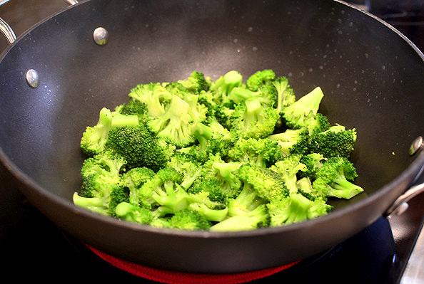 Lighter-Orange-Beef-and-Broccoli-iowagirleats.com-09_mini