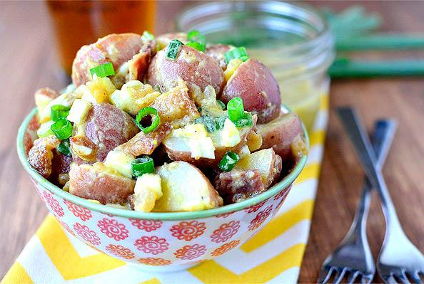 bowl of red skinned potato tsalad