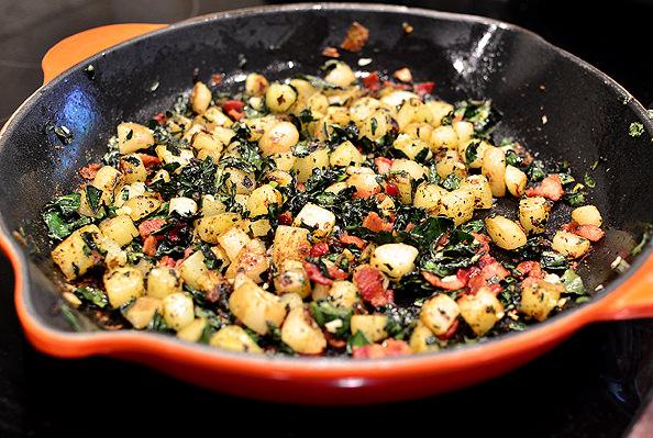 Crispy-Farmers-Market-Kale-Bacon-and-Basil-Hash-12_mini