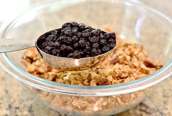 Blueberry-Banana-Bread-Granola-iowagirleats-11_mini