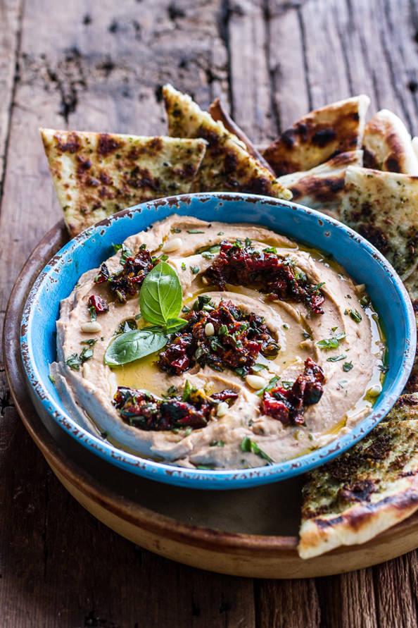 Cheesy-Margarita-Pizza-Hummus-with-Grilled-Pesto-Pizza-Bread-112_mini