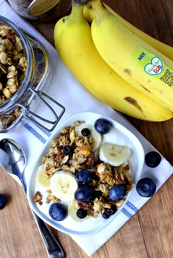 Blueberry Banana Bread Granola #glutenfree | iowagirleats.com