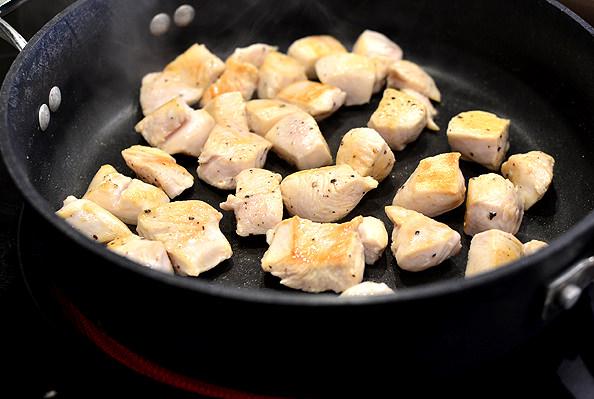Creamy-Cheesy-Chicken-and-Garlic-Quinoa-Bake-iowagirleats-06_mini