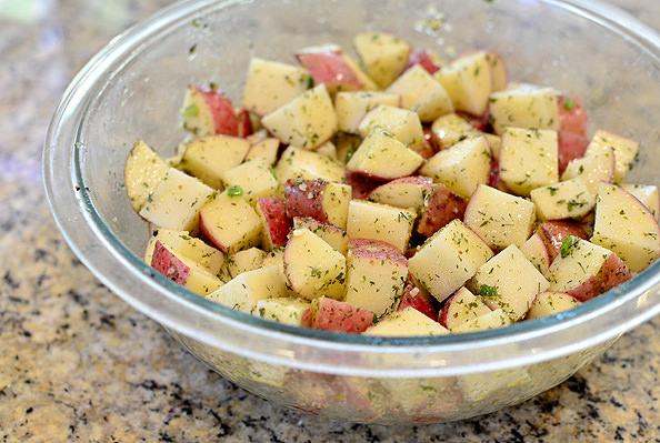 Crunch-Stuffed-Buffalo-Chicken-Breasts-with-Ranch-Roasted-Potatoes-iowagirleats-05_mini