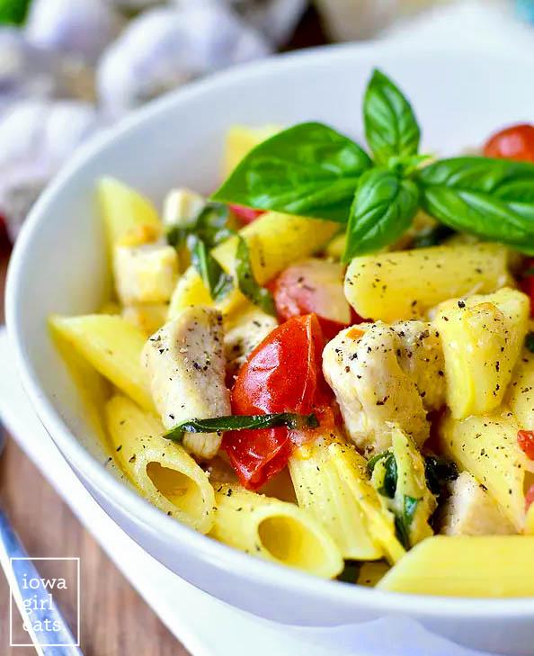 bowl of gluten free pasta with chicken