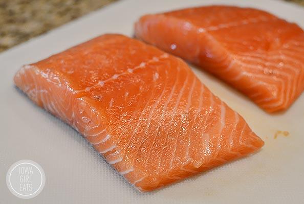 BBQ Salmon BLT Salad #glutenfree | iowagirleats.com