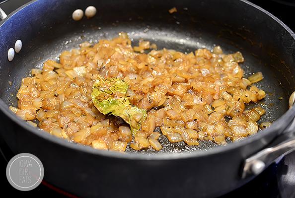 Gluten-Free French Onion and Prosciutto Stuffed Mushrooms #glutenfree | iowagirleats.com