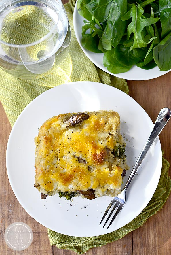 Cheesy Mushroom and Broccoli Quinoa Casserole is a hearty meatless casserole that will get two thumbs up from your family! #glutenfree | iowagirleats.com