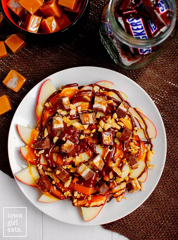 overhead photo of a plate of apple snicker nachos