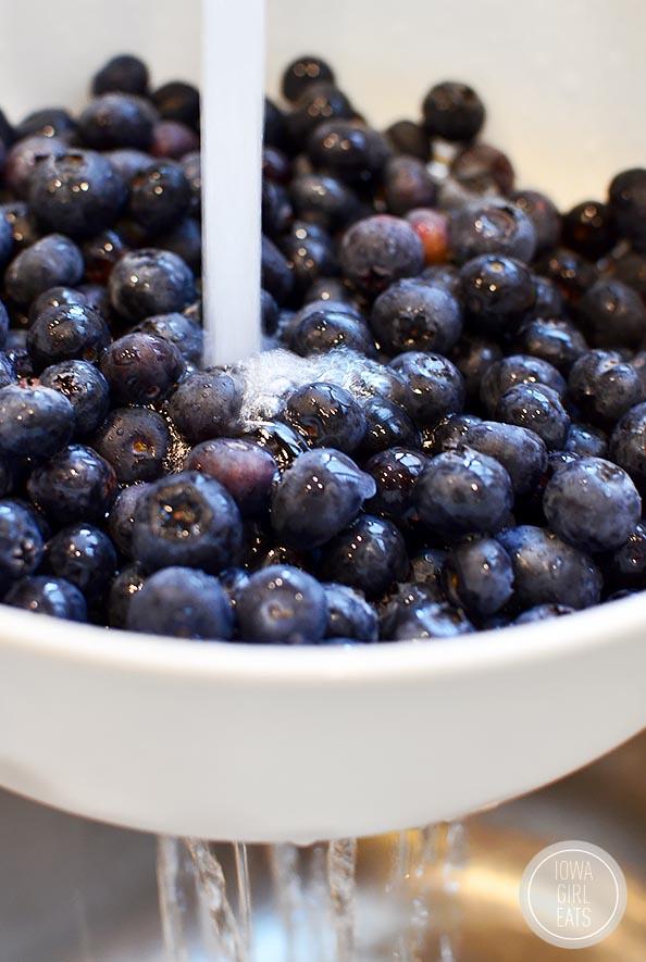 Blueberry-Almond-Crisp-Gluten-Free-iowagirleats-05