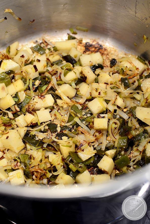 Roasted-Poblano-Bacon-and-Sweet-Corn-Chowder-iowagirleats-10