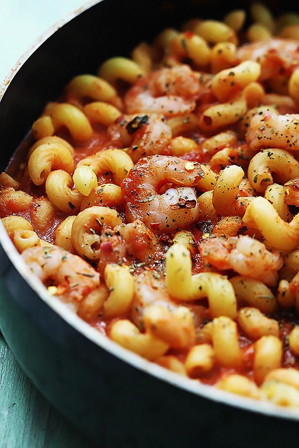 spicy-garlic-tomato-shrimp-pasta-4