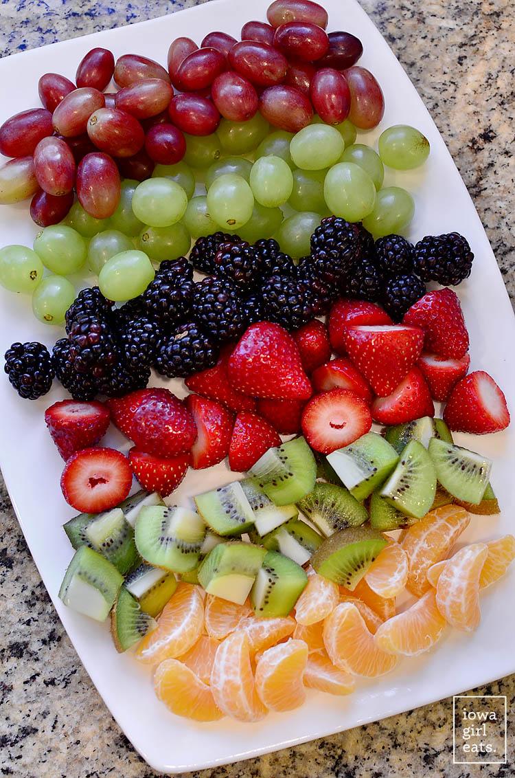 Fruit-Christmas-Tree-iowagirleats-08
