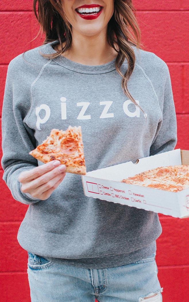 pizza_sweatshirt_styled_2_USE