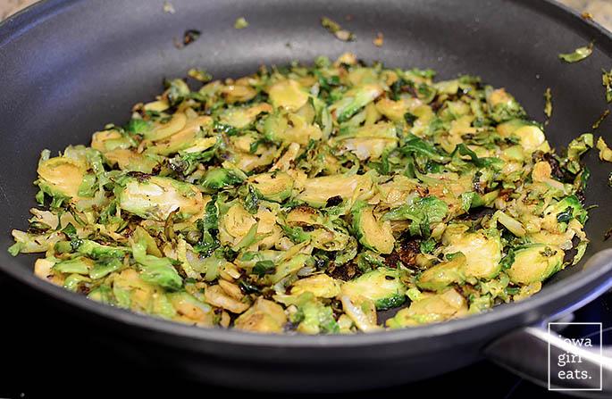 Chicken-Bacon-and-Date-Quinoa-Power-Salad-iowagirleats-06