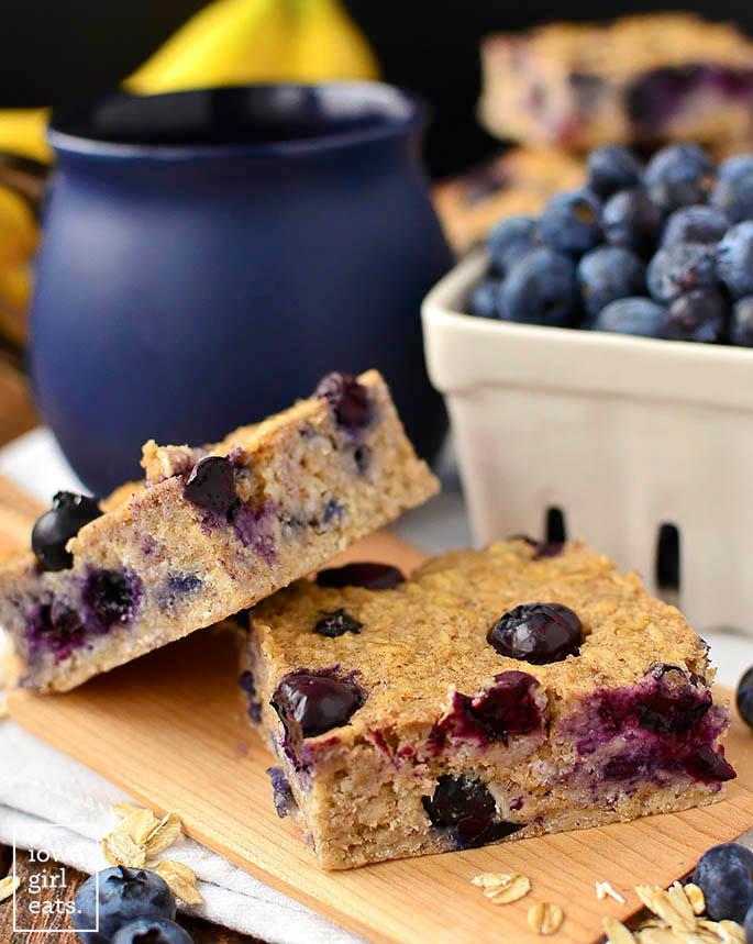 healthy Blueberry Oatmeal Breakfast bars on a plate