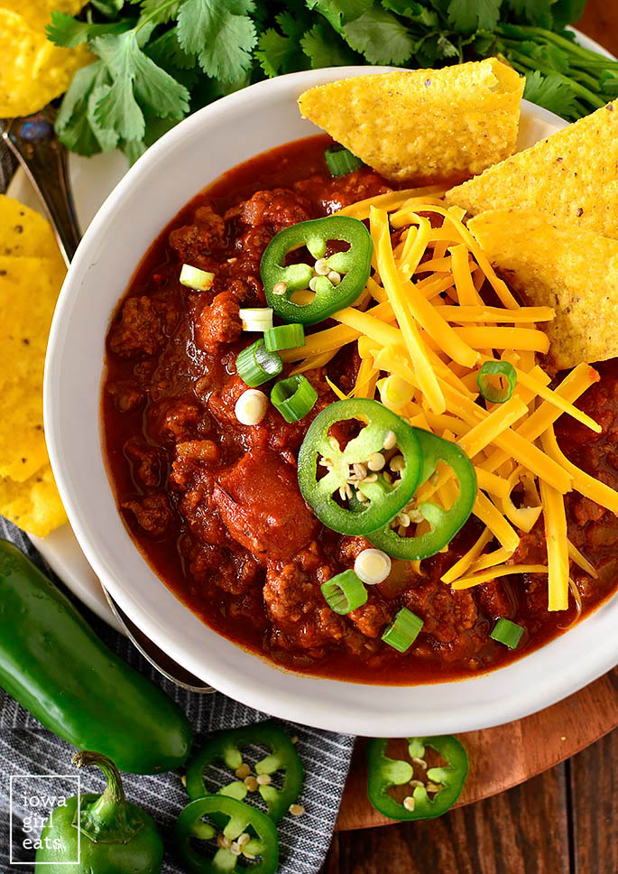 Image of no bean chili in a bowl with toppings