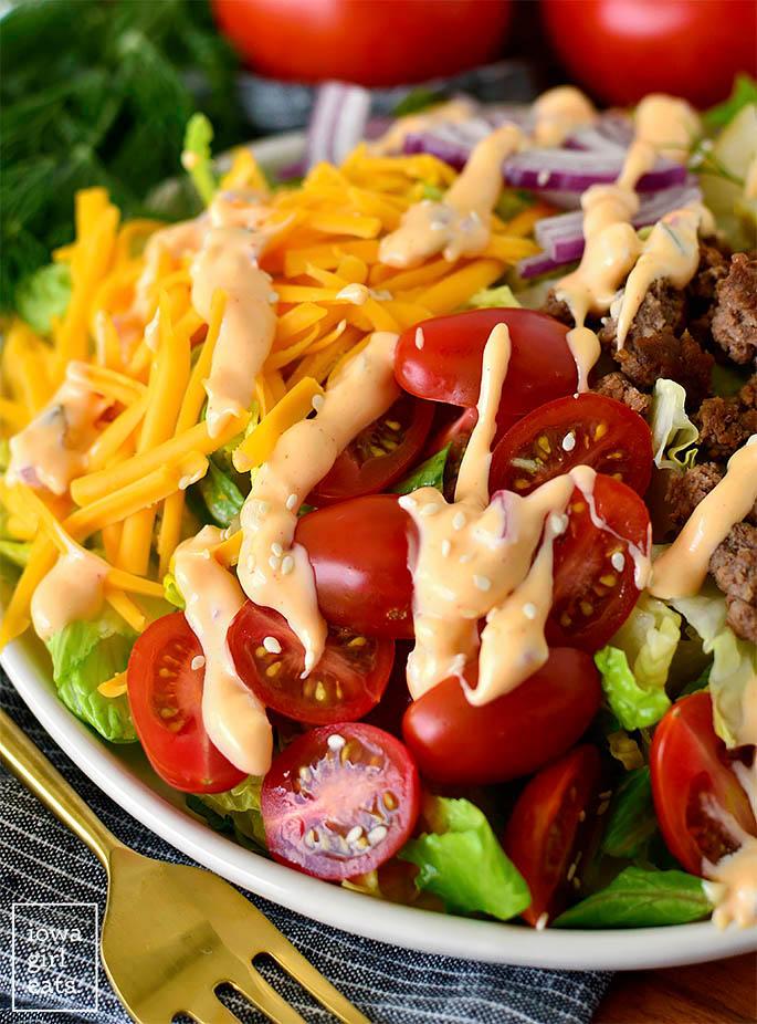 Fresh hamburger salad with lots of toppings